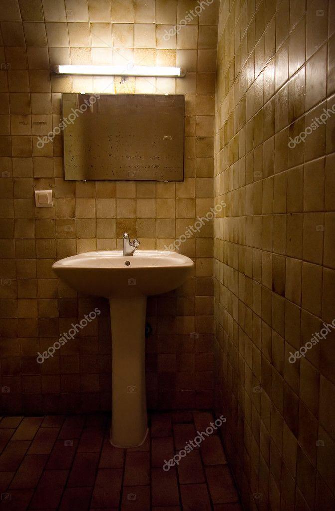 oude badkamer — Stockfoto © chaoss #1676282