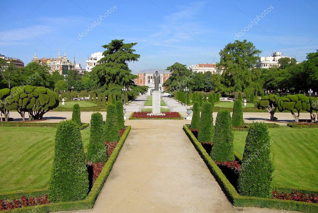 Park Buen-Retiro (Parque del Buen Retiro) in Madrid, Spain