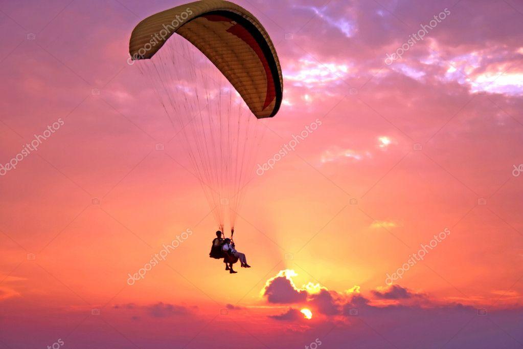 Flight of paroplane