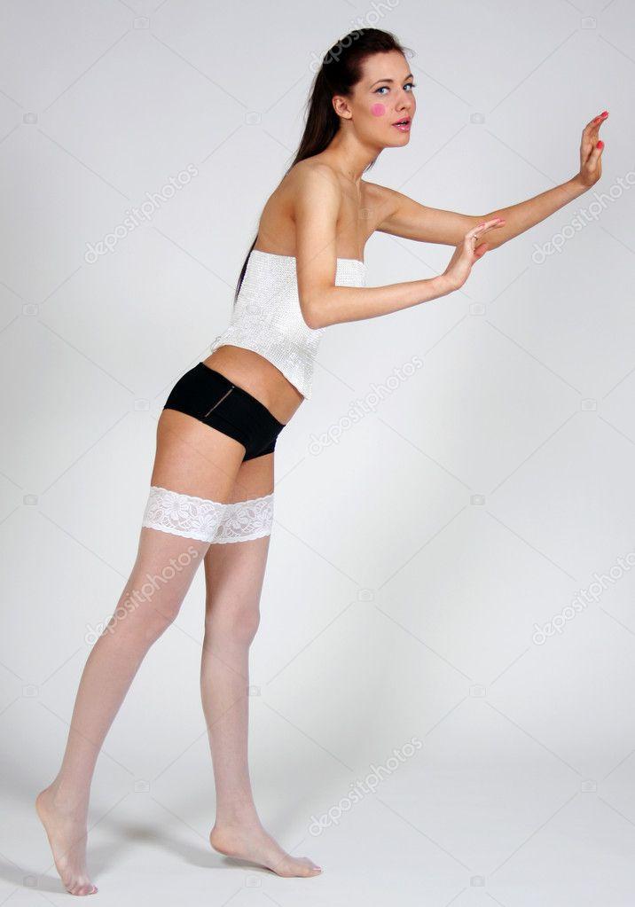женщины в полный рост в одежде