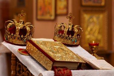 Weddings crowns