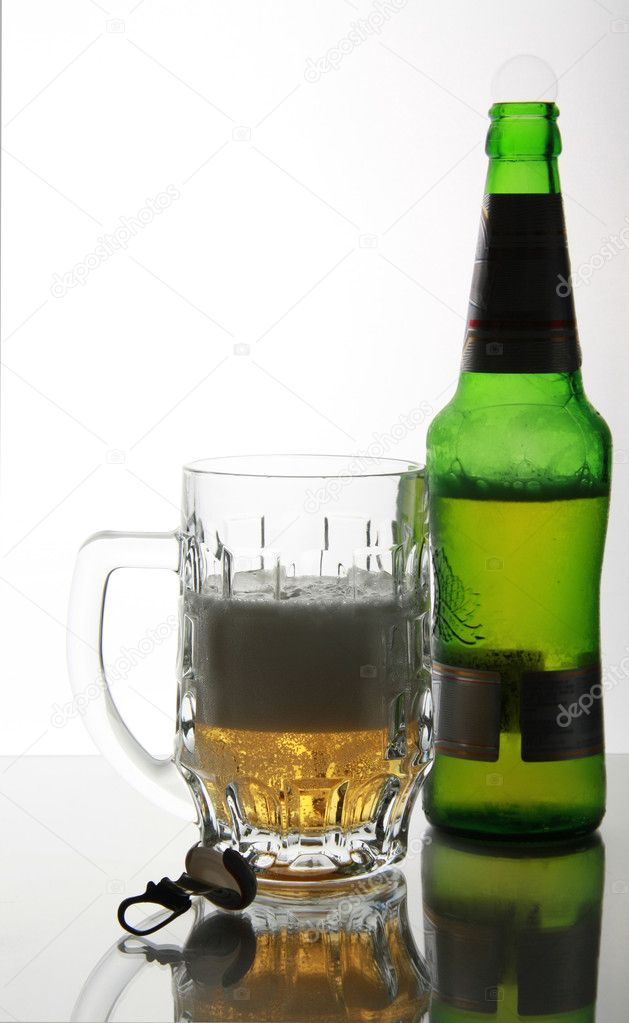 Openning pub bottle and mug on mirror ta