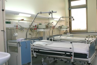 Hospital chamber with cardiology equipme