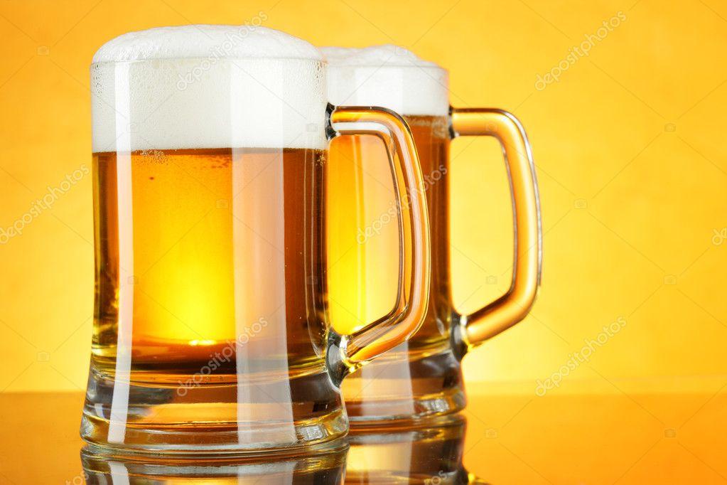 Два пива. — стоковое фото