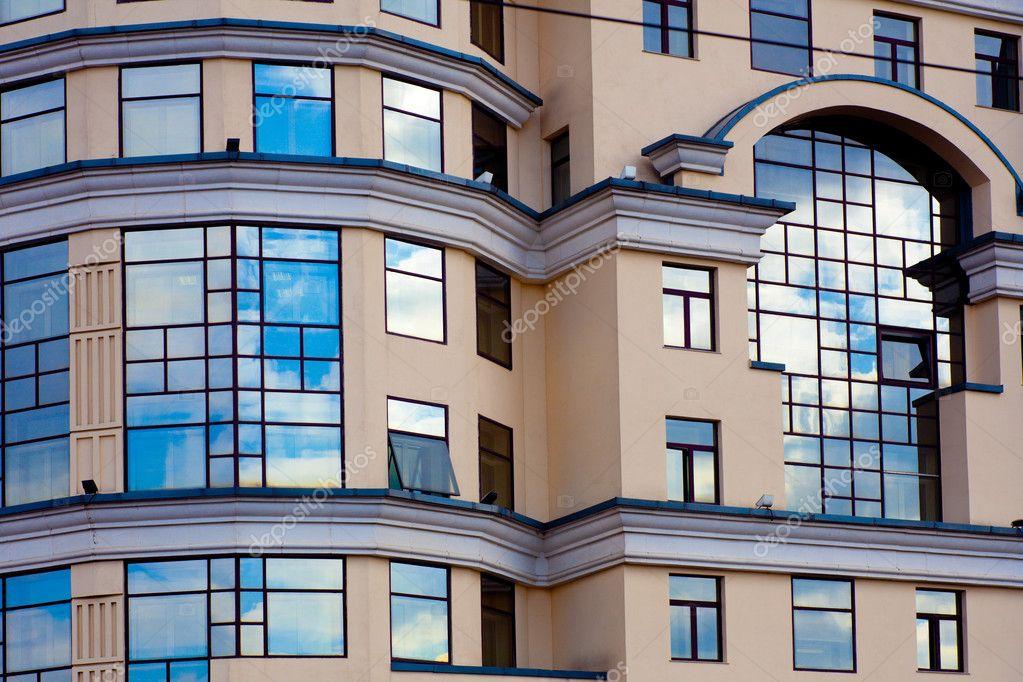 fa ade d 39 immeuble moderne photographie babenkodenis 1289314. Black Bedroom Furniture Sets. Home Design Ideas