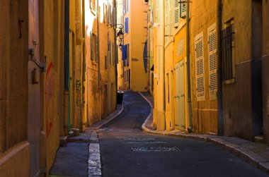 Bend streets in Marseille