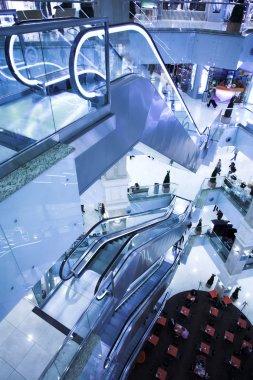Move escalator in modern office