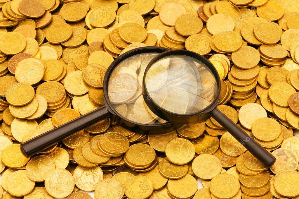 центре флага картинка лупа с монетами габитус