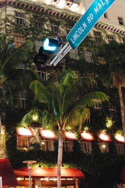 Miami Baech Road, Florida, January 2007