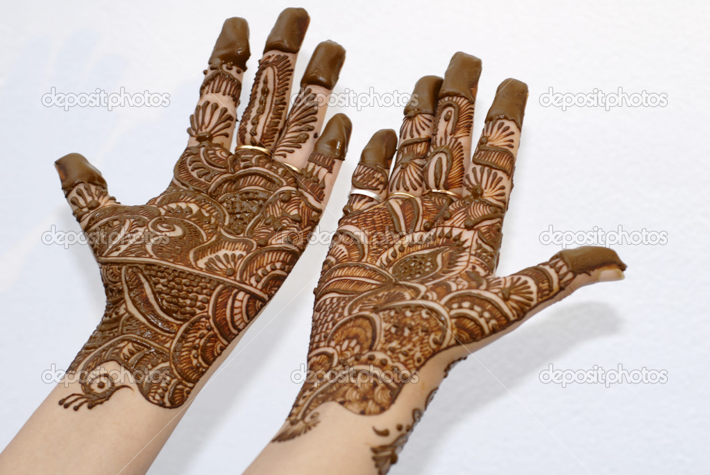 Henna Tattoo Prices : Henna tattoo on hands — stock photo nikonite