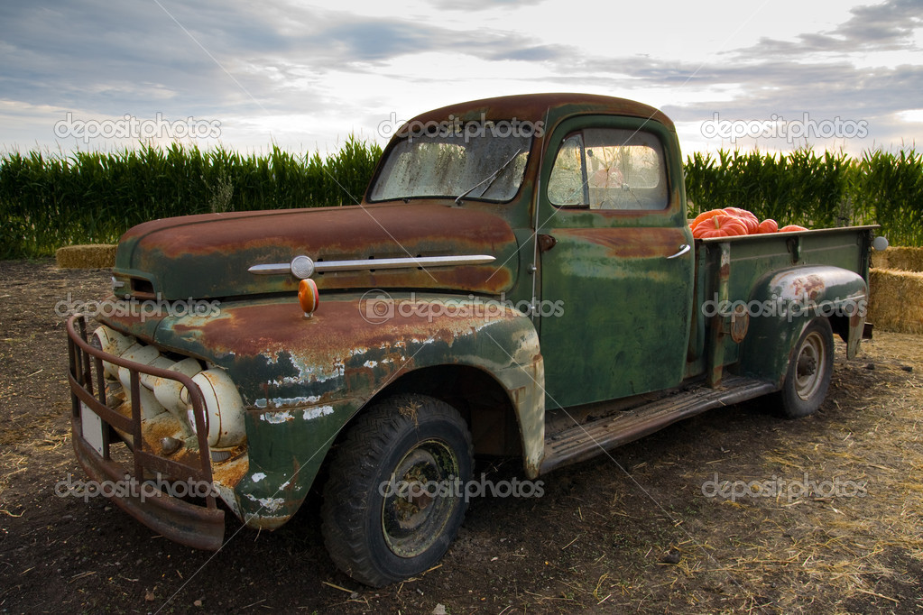 Rusty old classic truck — Stock Photo © shirotie #1378039