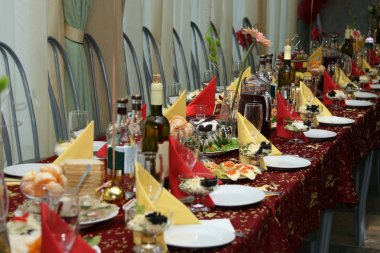 The table covered by a holiday