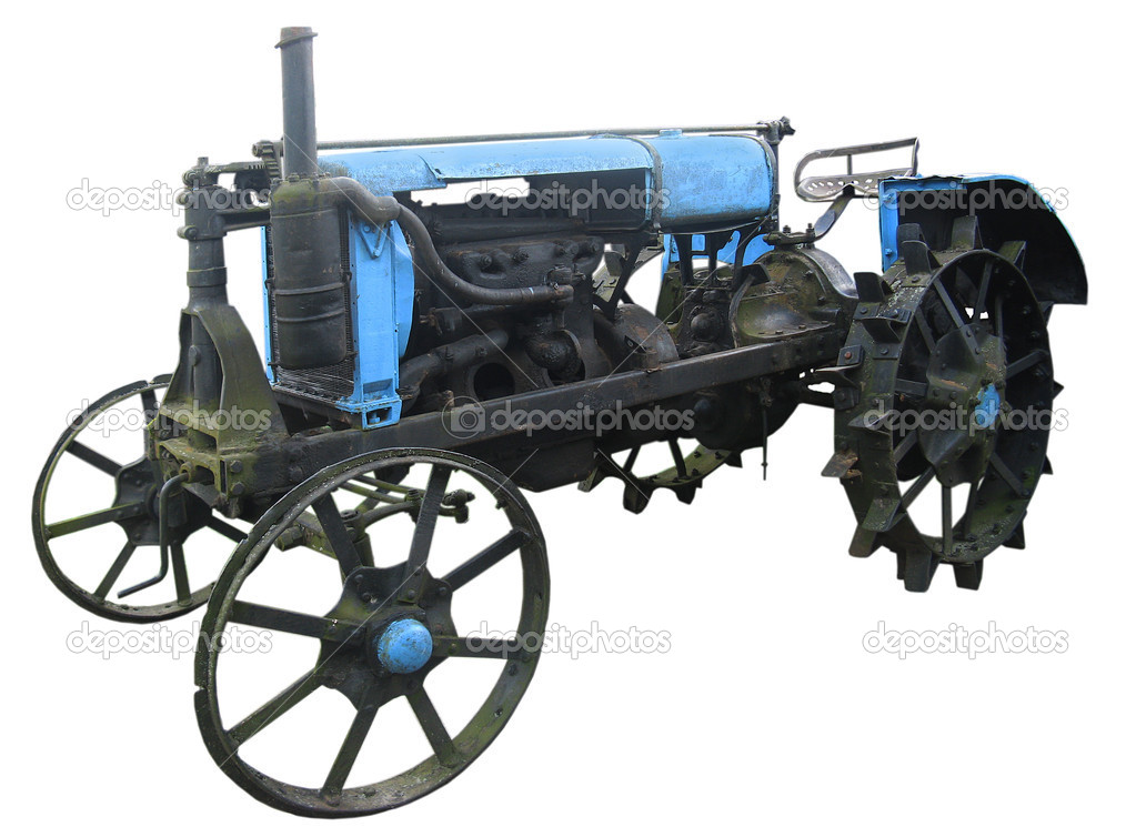 Iron Tractor Wheels : Old tractor with iron wheels — stock photo spopov