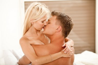Guy and lady kissing