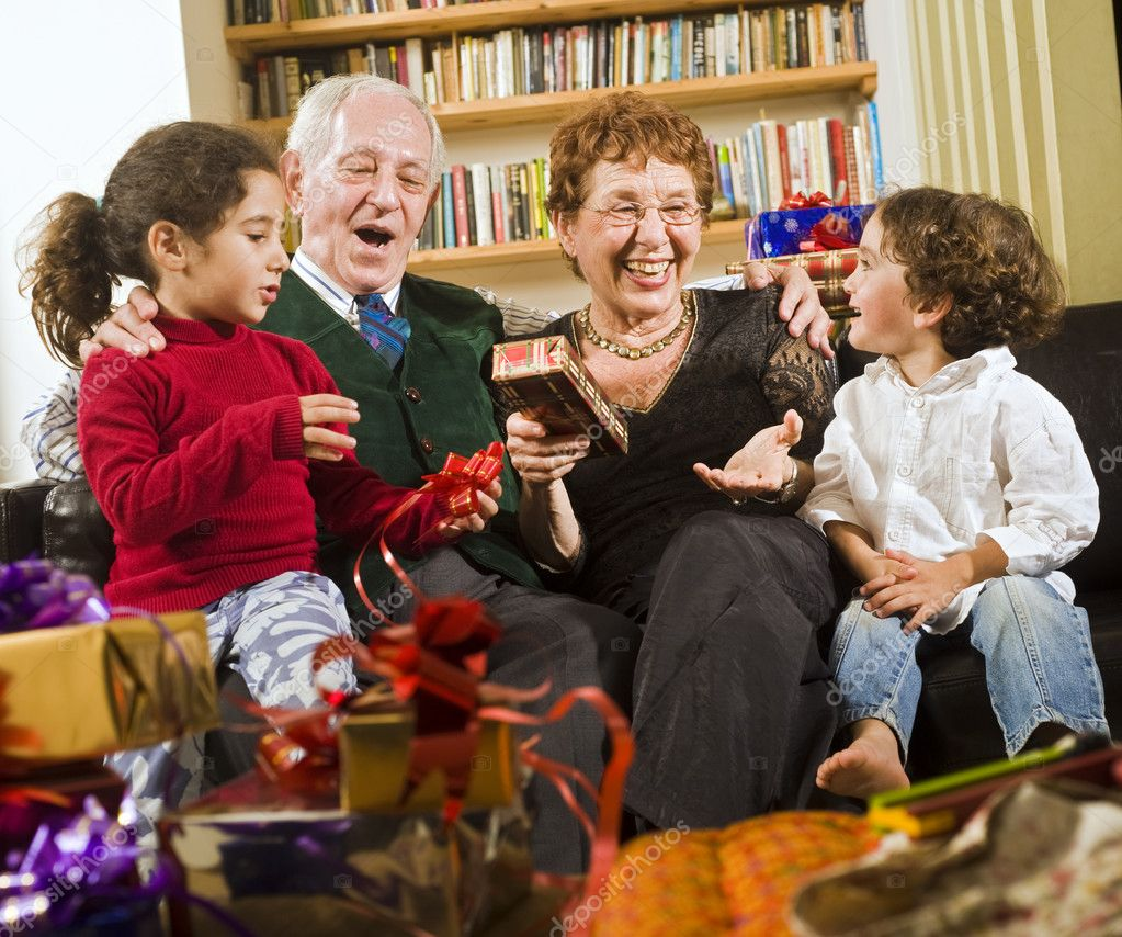 a memorable holiday spend with your grandparents