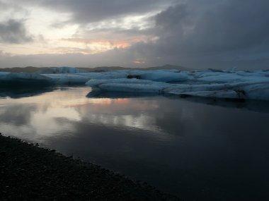 Sunset at Jokulsarlon, glacier lagoon