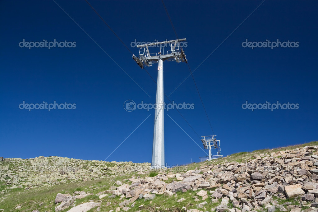 Ski lift pylon