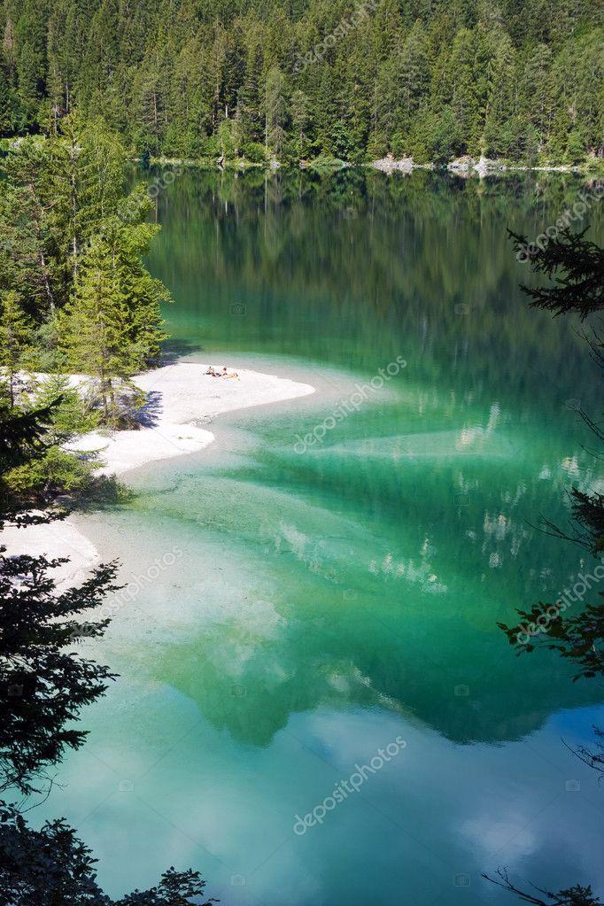 Tovel lake shore
