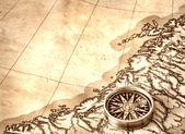 오래 된 지도에 나침반