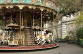 Fotografie französisches altes Karussell mit Pferden