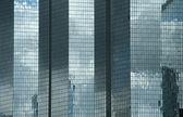 modern épületek a defense negyed