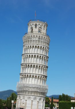 The famous leaning tower in Pisa.