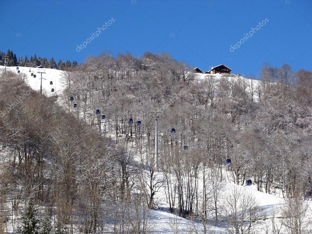 Skiing lift
