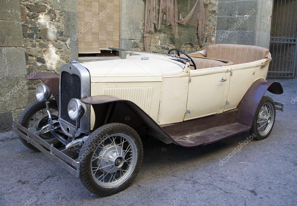 Old fashioned car – Stock Editorial Photo © alkir_dep #1628004