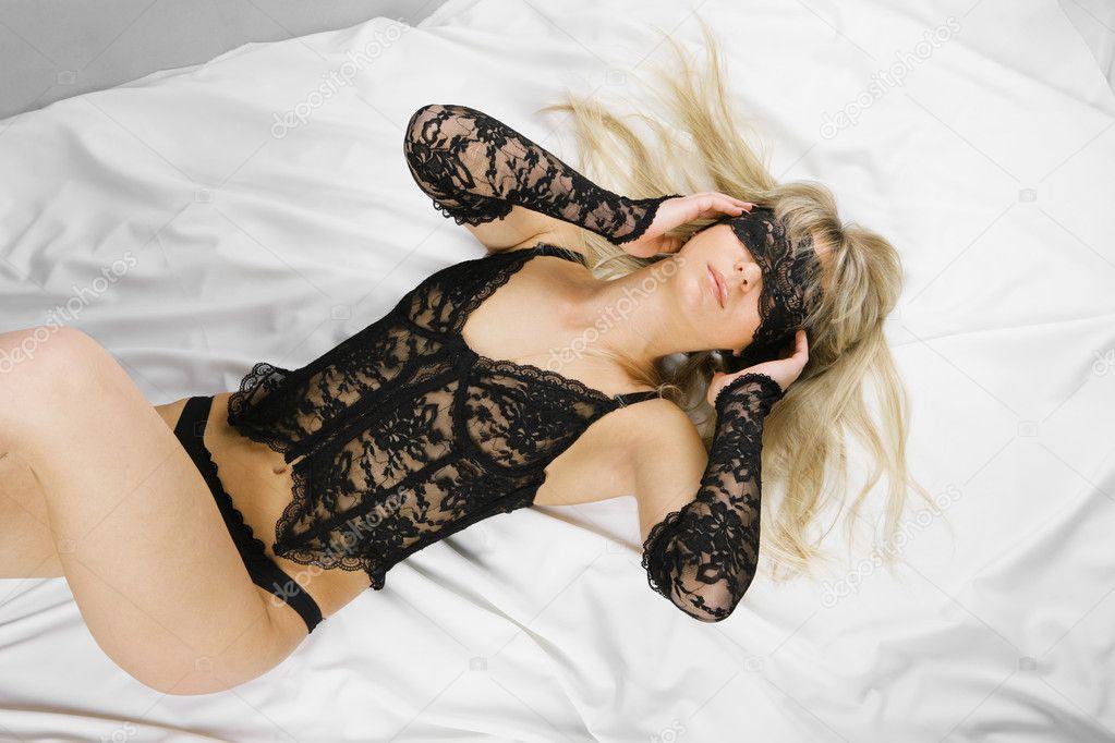 fekete szex az ágyban érett ében pornó filmek