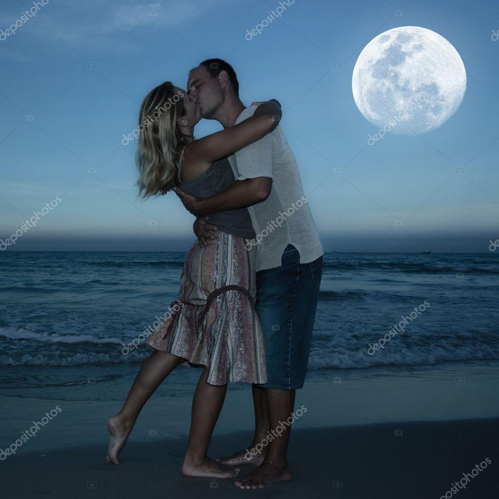 Znalezione obrazy dla zapytania ksiezycowe pocalunki