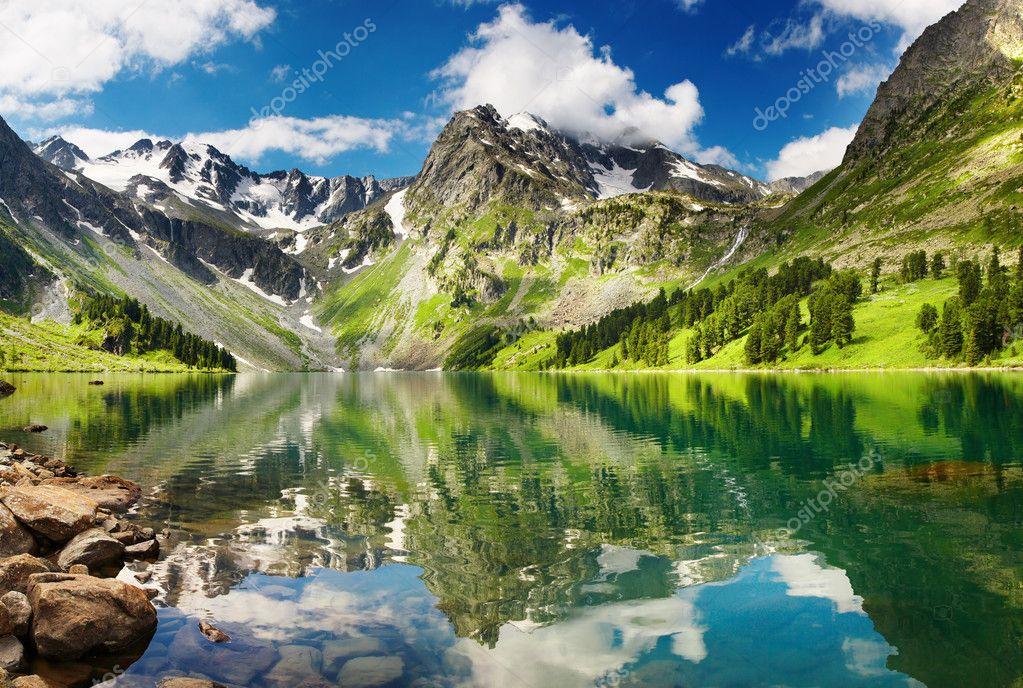 Фотообои Amazing mountain lake
