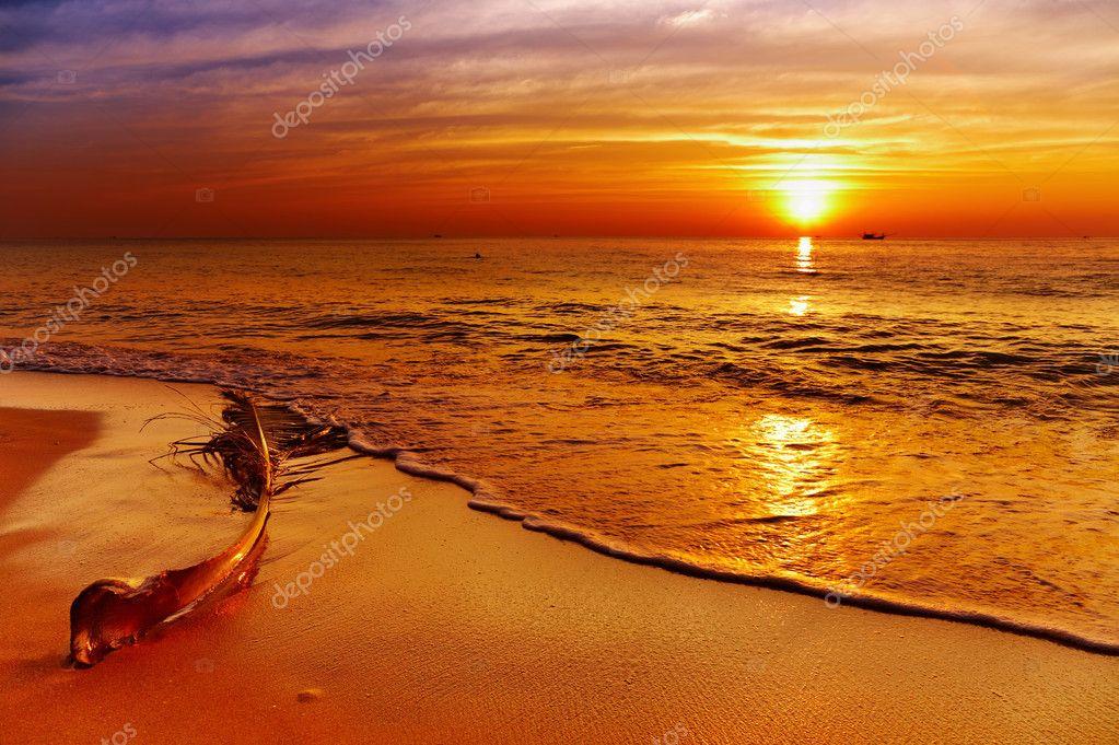 Фотообои Golden sunset, Chang island, Thailand