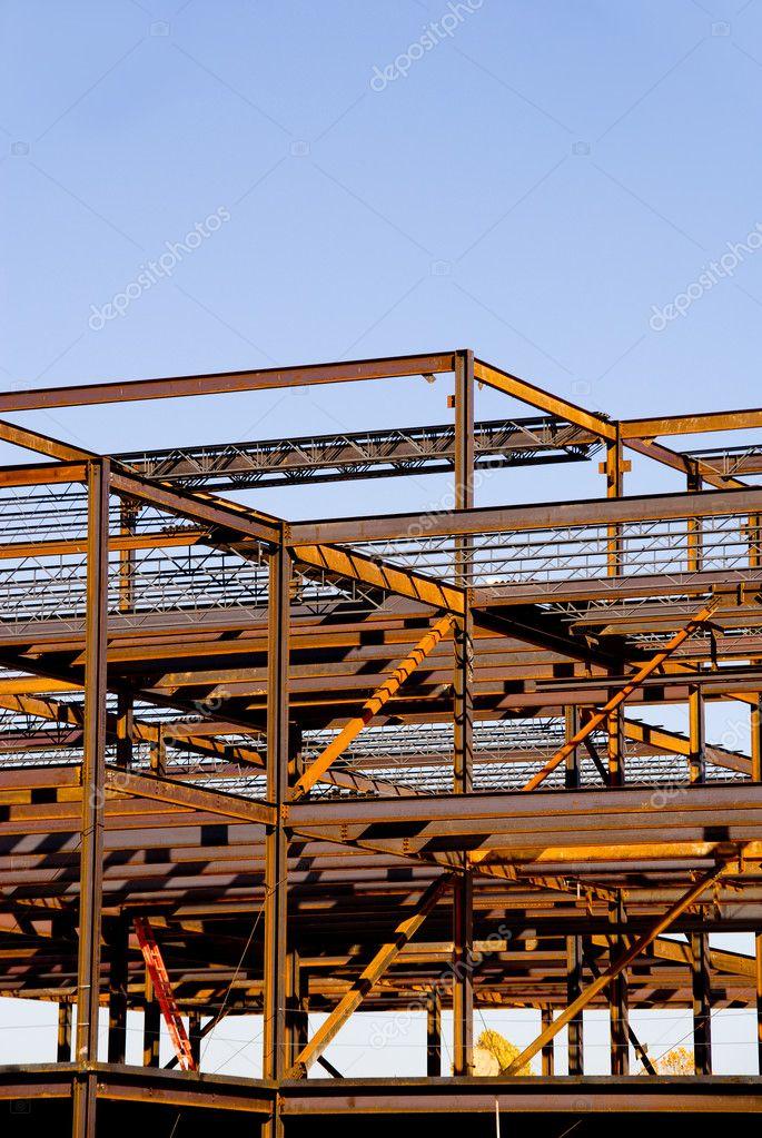 Stahl Gebäude Rahmenkonstruktion — Stockfoto © robeo123 #1739203
