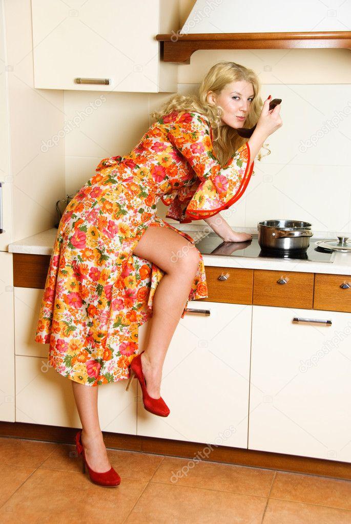 красивые домохозяйки на фото бюст