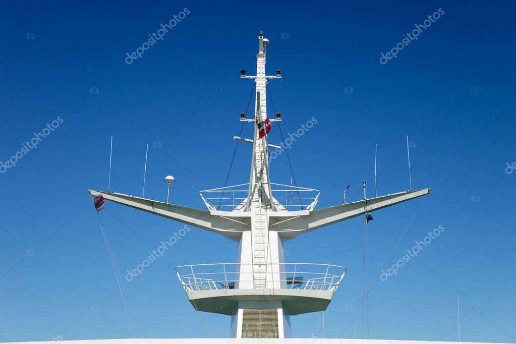 Mast ships