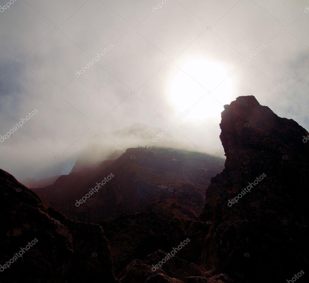 Фотообои Бурный пейзаж горы