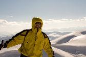 lyžař na vysoké hoře