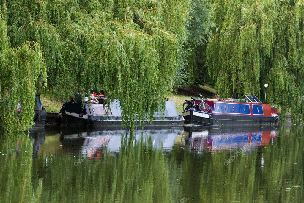 Narrow boat barge (Cambridge, UK)