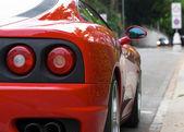 Fotografie zadní světla červené sportovní auto