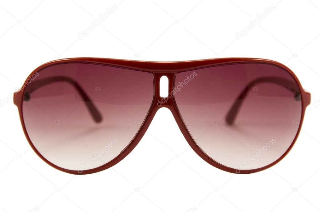 63fb16bdfb Κόκκινα γυαλιά ηλίου — Φωτογραφία Αρχείου · Ένα απομονωμένο γυαλιά ηλίου σε  λευκό φόντο — Εικόνα από ...