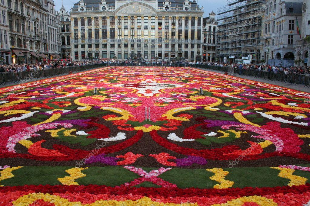 Tappeto Floreale Bruxelles : Tappeto fiori petali street art tapis de fleur grand place