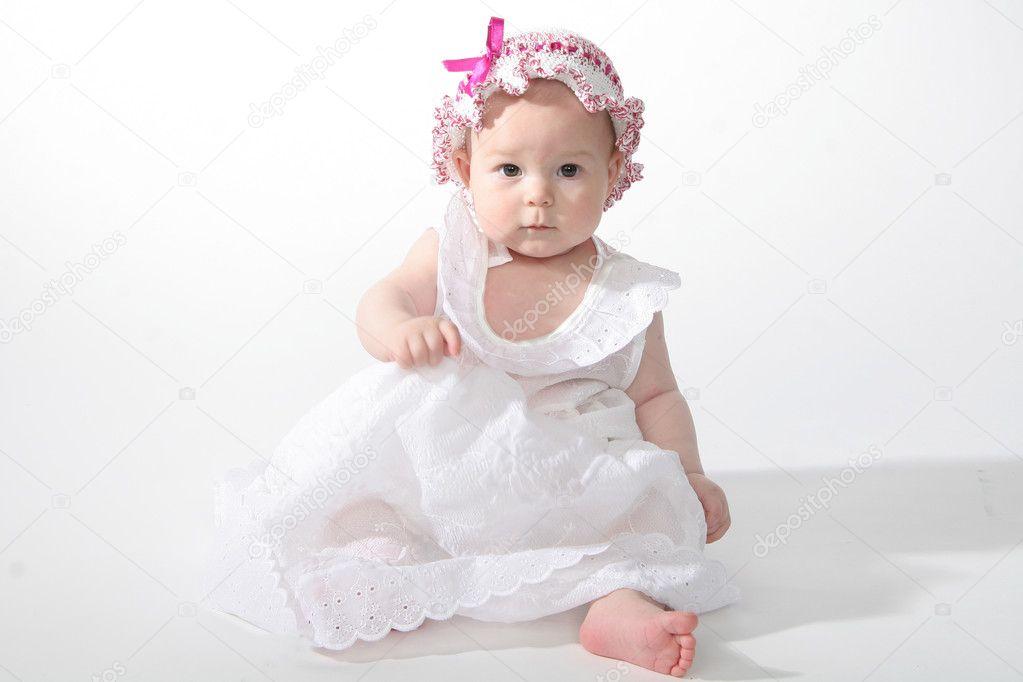Картинка девочка в белом платье
