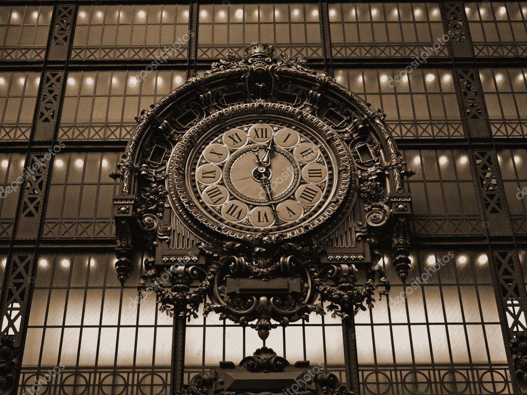 Antike uhr wallpaper  antike Uhr in der Orsay-museu — Stockfoto #1895444