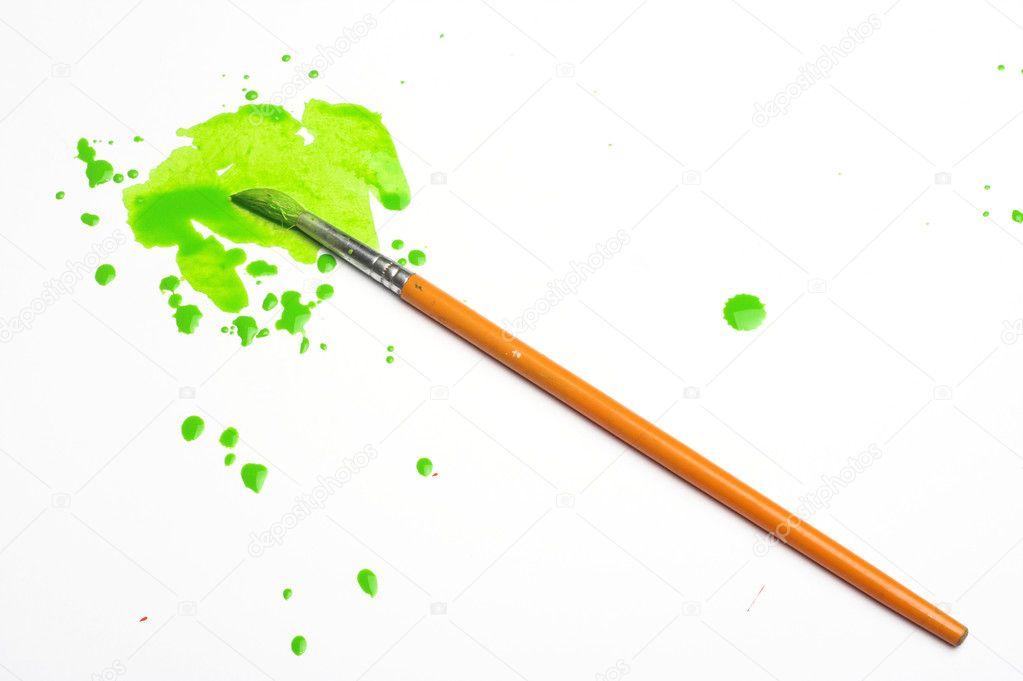 pincel con pintura. pincel y pintura verde \u2014 foto de stock #2295880 con p