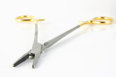 Surgical clamp