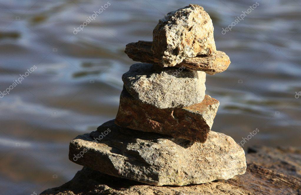 Rocas Zen Foto De Stock Fiftycents 2247369