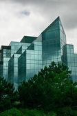 Moderní skleněné kancelářská budova