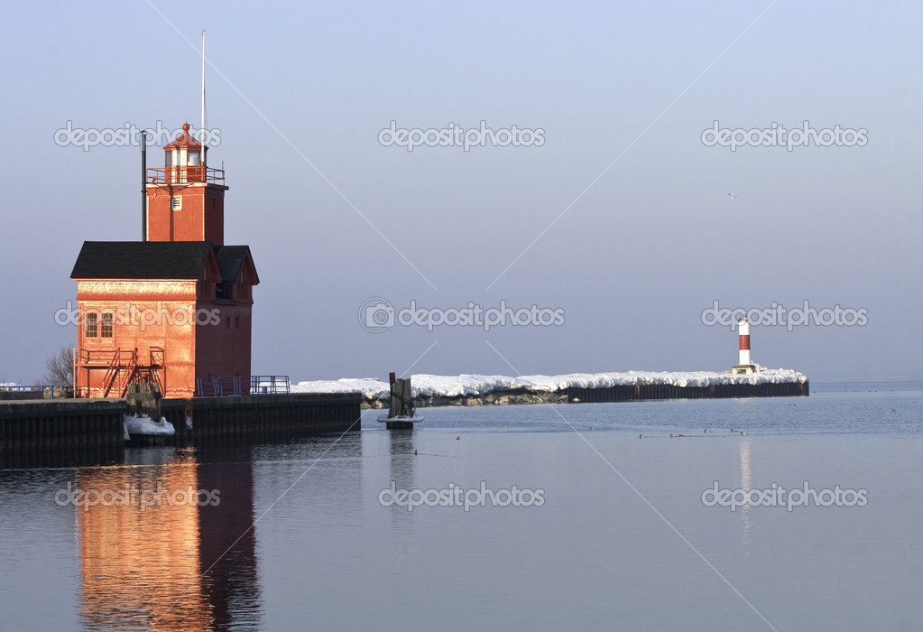 Lake Michigan LIghthouse and Channel Mar — Stock Photo