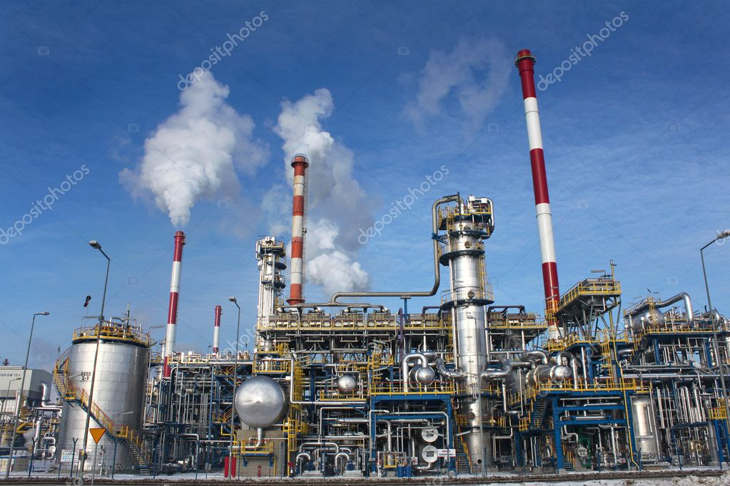 Oil Facility Construction : Oil refinery plant — stock photo cobalt
