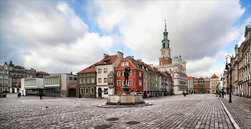 Фотообои Old town hall in Poznan